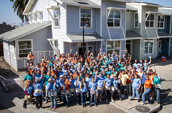 In October 2013, 185 Cisco employees joined other Habitat volunteers, including former U.S. President Jimmy Carter and his wife, Rosalynn, to help build 12 homes in Oakland, California.