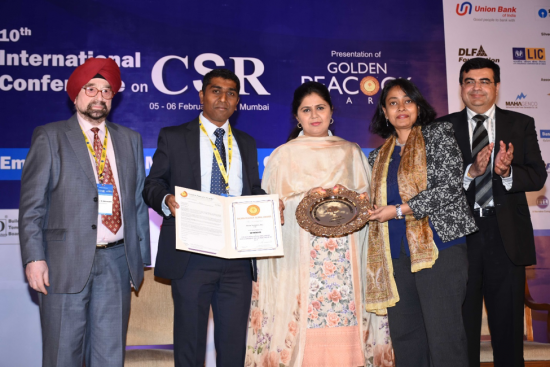 (Pictured left to right: Lt. Gen. J. S. Ahluwalia, President, Institute of Directors, India; Praveen Vasudeva, Workplace Resources, Cisco; Mrs. Pankaja Gopinathrao Munde, Minister of Rural Development and Water Conservation; Archana Sahay, Community Relations, Cisco; and Mr. Vijay Karia, Chairman & Managing Director, Ravin Group)