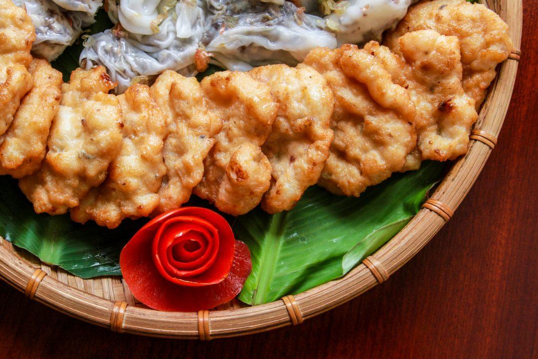 Quảng Ninh là địa điểm du lịch gần Hà Nội có đặc sản ngon lành