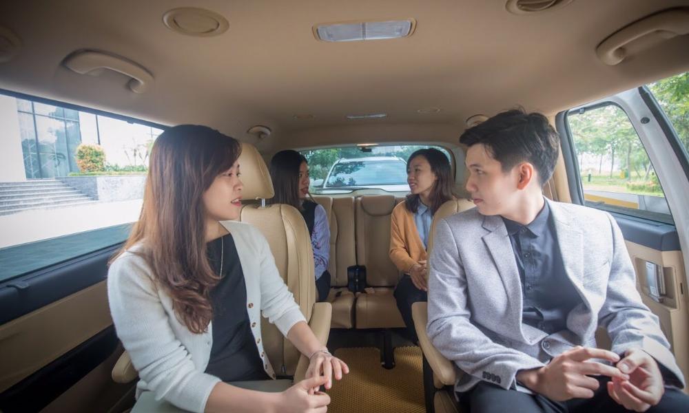 Xe đi Hạ Long từ Hà Nội: Xe Luxury Transport