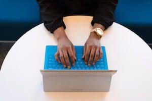laptop_typing.jpg