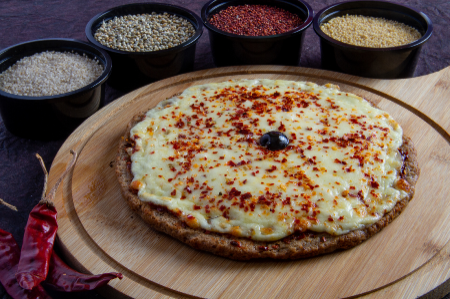 """6"""" Millet Cheese & Chilly Pizza"""