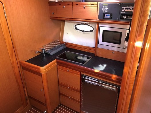 Used Bavaria 33 Sport for sale BOATIM