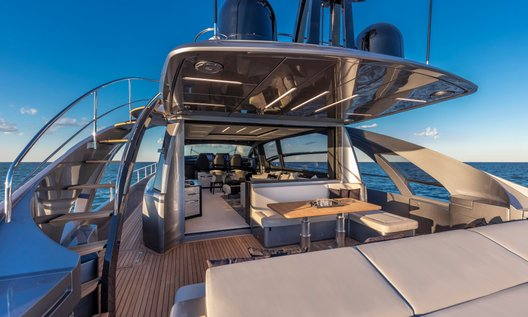 New Pershing 8x for sale BOATIM