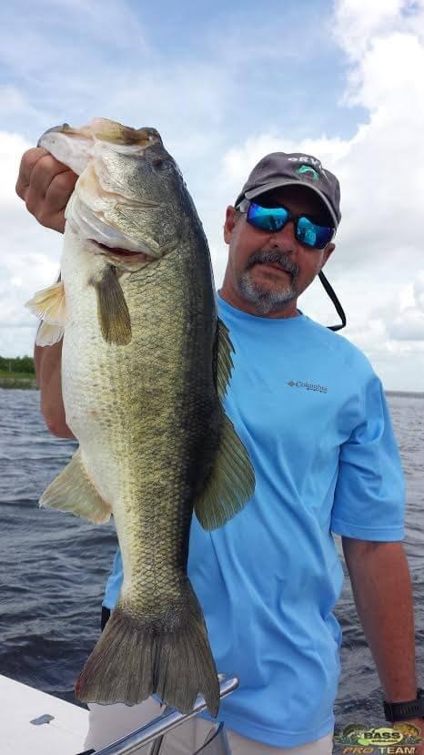 Lake Okeechobee bass fishing trips