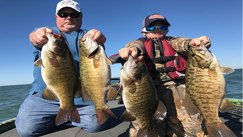 Fall Trophy Smallmouth Bass Fishing