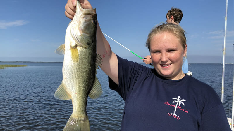 how to catch big bass in hot months
