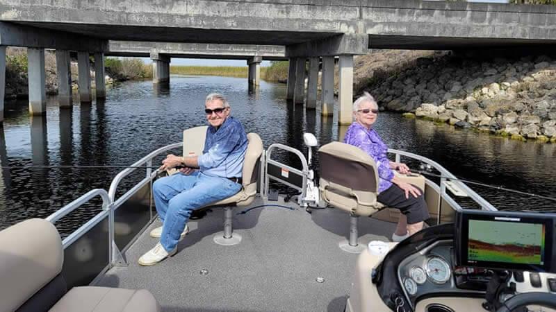 pontoon rental boats-renting a boat in Fl