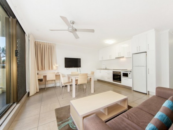 Broadbeach Travel Inn Apartments 1Br Lux Apartment