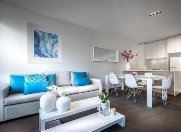 Suites Milano On Swanston Two Bedroom Deluxe Apartment