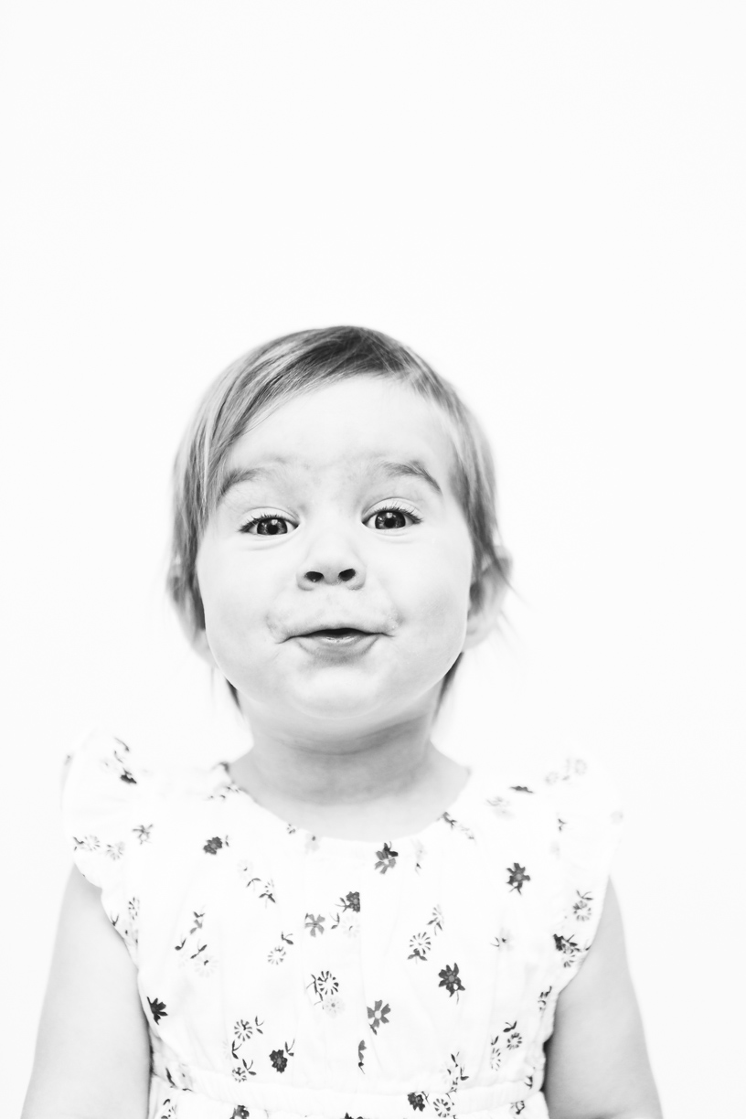 Nellie Quail Photography's Classic Black and White Kids Family Photo Victoria, BC, Canada
