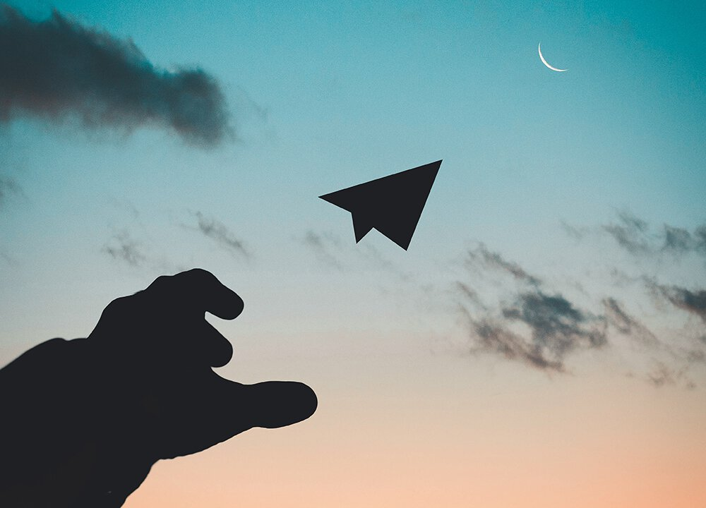 Picture of a paper airplane.