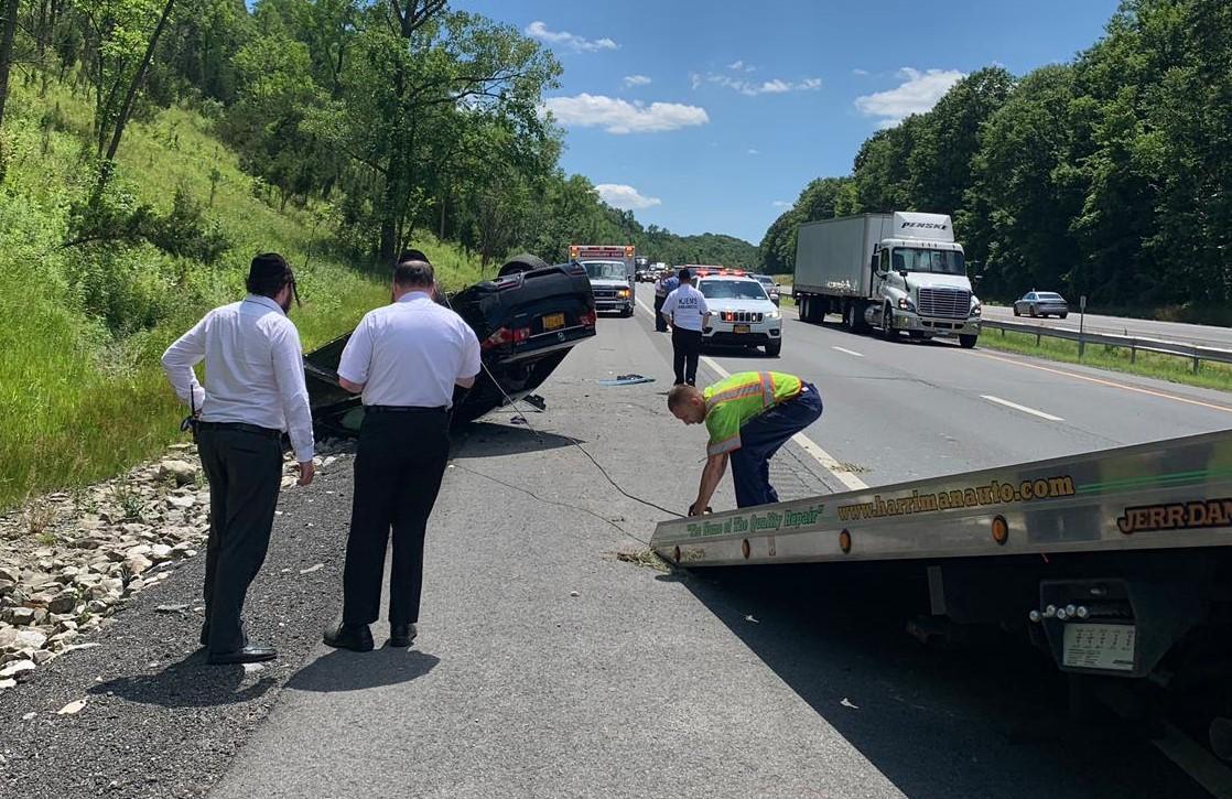 Overturned Vehicle On NYS Thruway – Boro Park 24