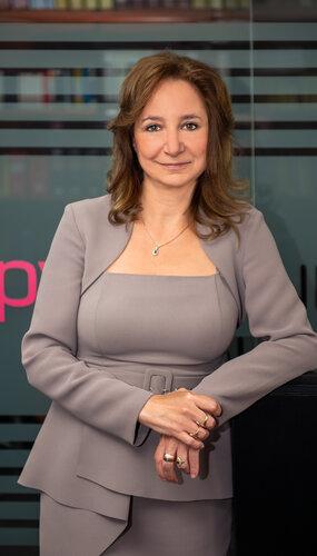 Dr. Andrea Jádi Németh