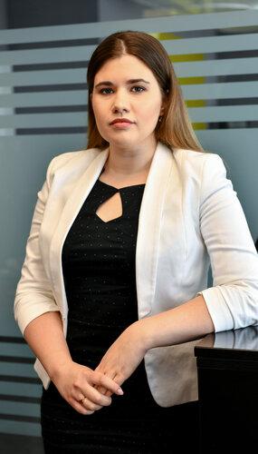 Dr. Dóra Katalin Kuti