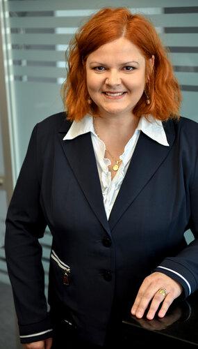 Dr. Viktória Villányi