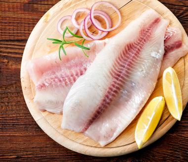Prato de peixes frescos.
