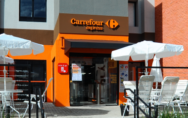 Fachada do Carrefour Express.