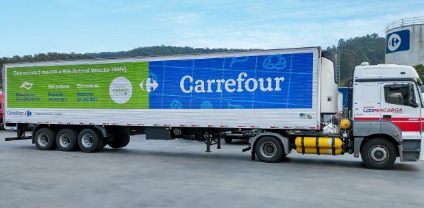 Caminhão Carrefour movie a Gás Natural Veicular (GNV).