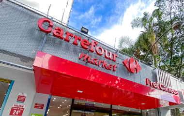 Fachada do Carrefour Market.