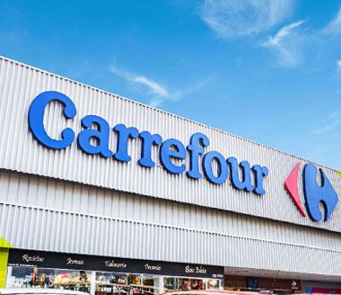 Fachada do Hipermercado Carrefour.