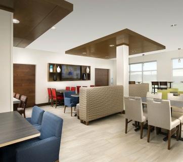 New Braunfels Restaurants Near Holiday Inn Express Suites