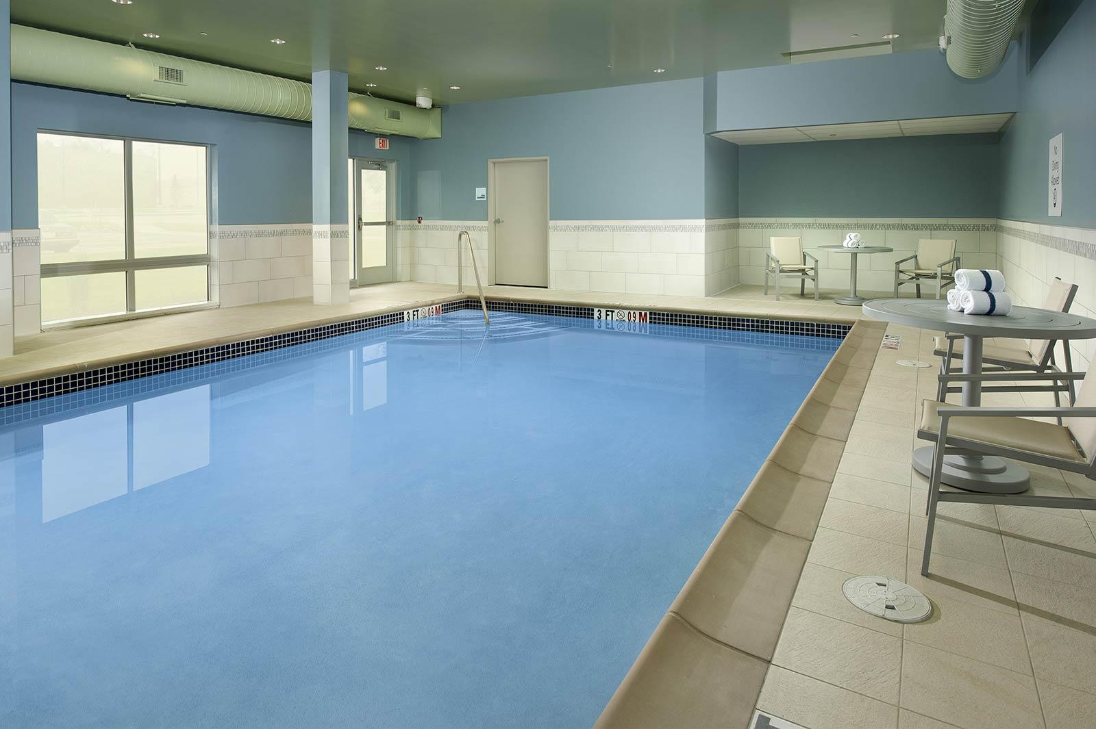 Altoona, PA Hotel Photo Gallery – Photos of the Holiday Inn Express ...