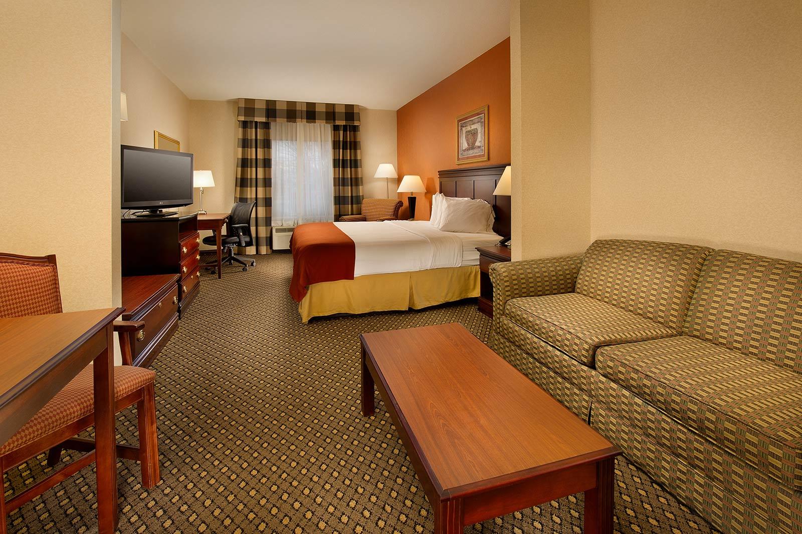 Chambersburg Suites
