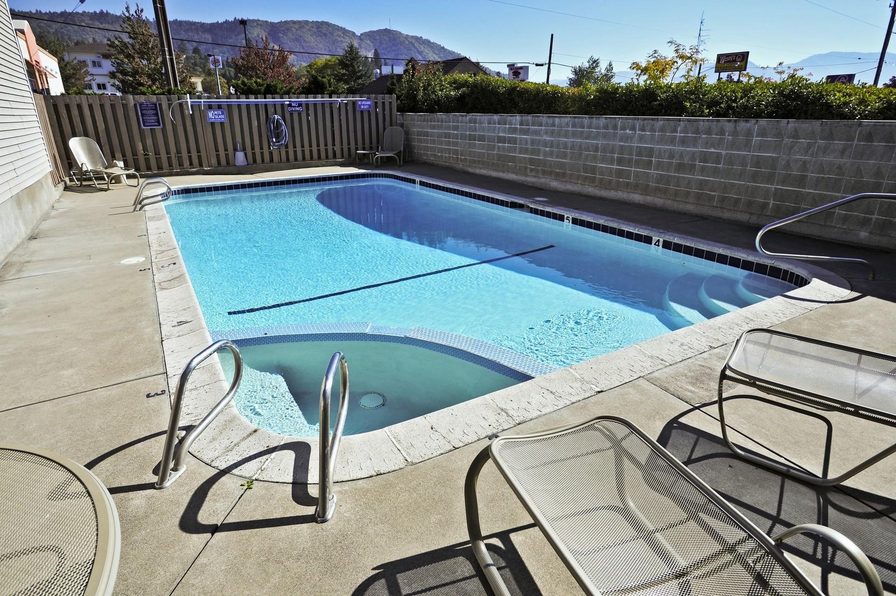 shilo inns suites hotels grants pass oregon. Black Bedroom Furniture Sets. Home Design Ideas