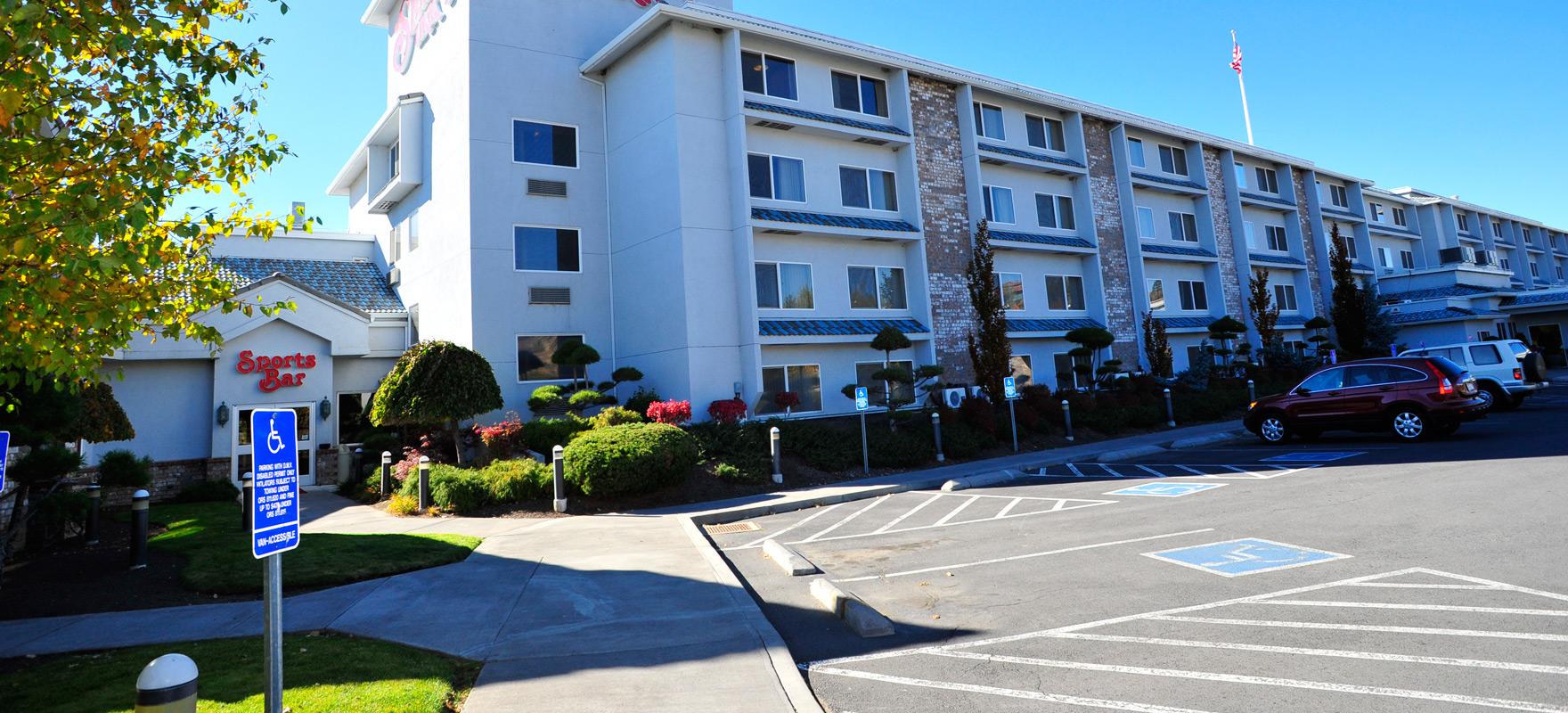 Shilo Inn Rose Garden 21 Photos 29 Reviews Hotels 1506 Ne 2nd Ave Lloyd  District Portland. Delmonte Hotel Group