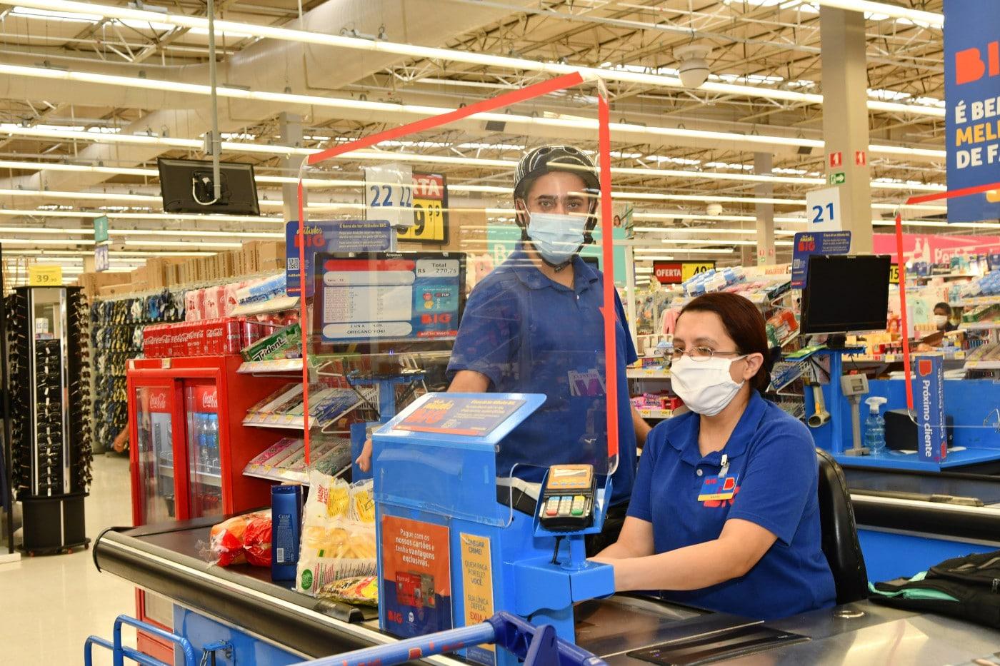 caixas protegidos e de mascara