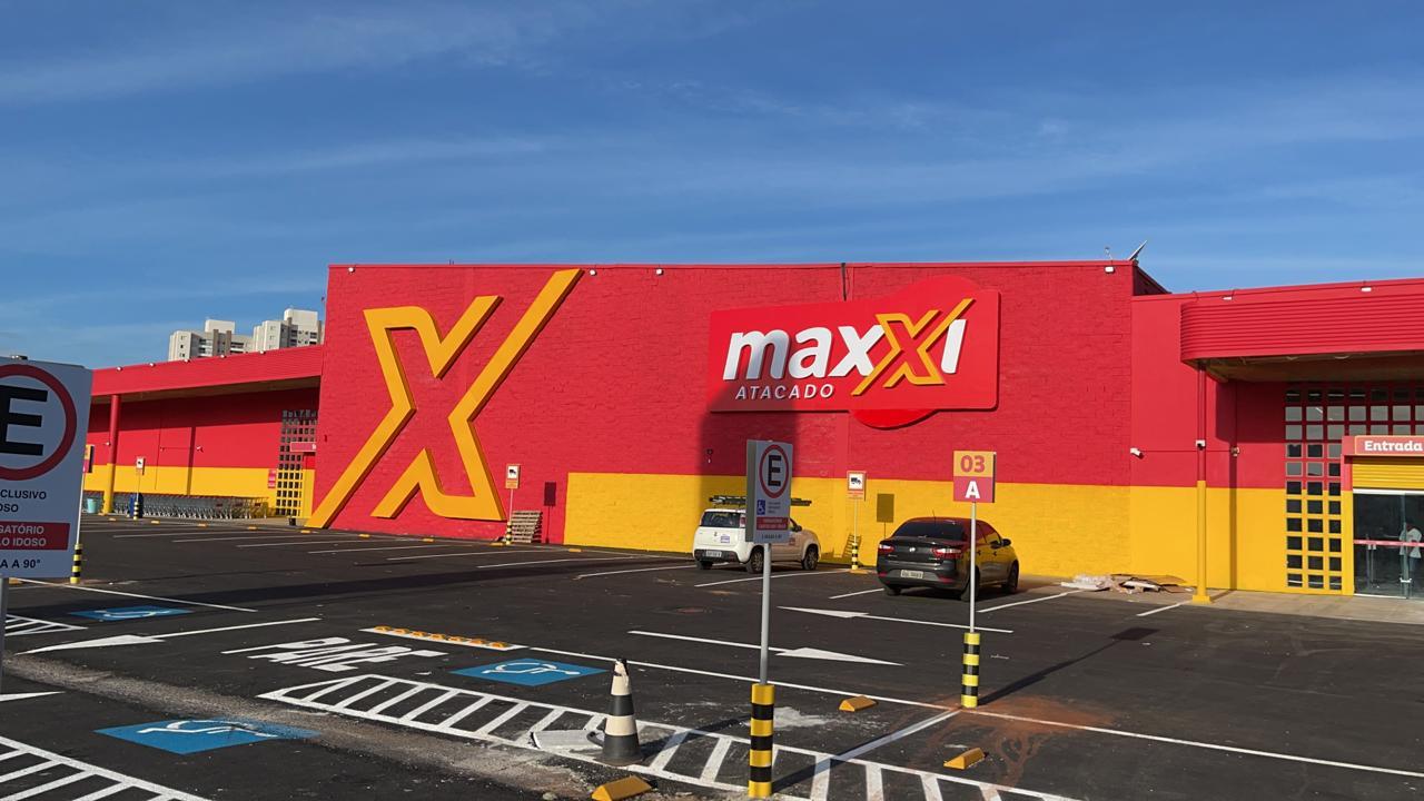 Maxxi inaugura loja em Araras
