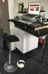 muvman sit stand stool elevated desk