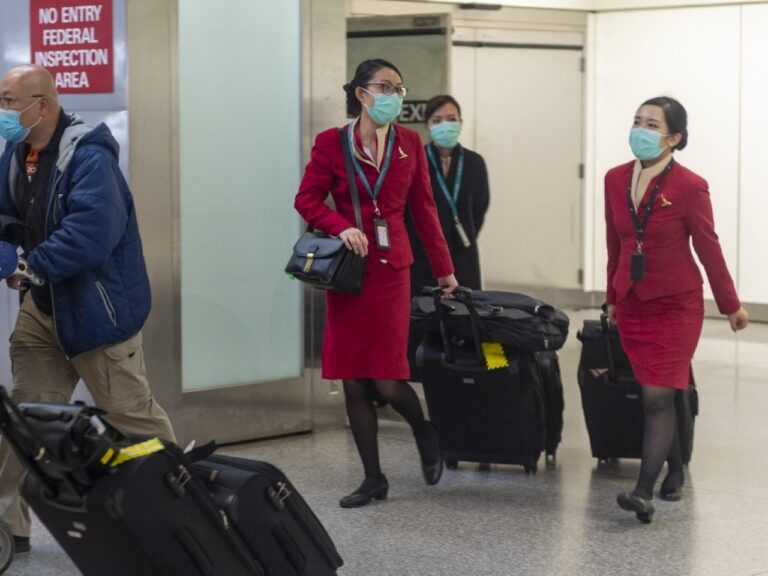 Crew quarantine 'deals further blow to Cathay'