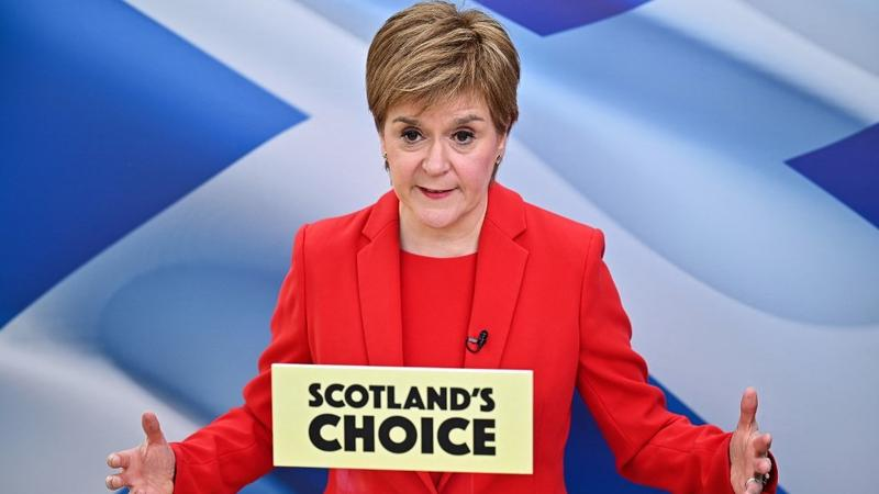 Report: Scotland's Sturgeon says only court can stop referendum