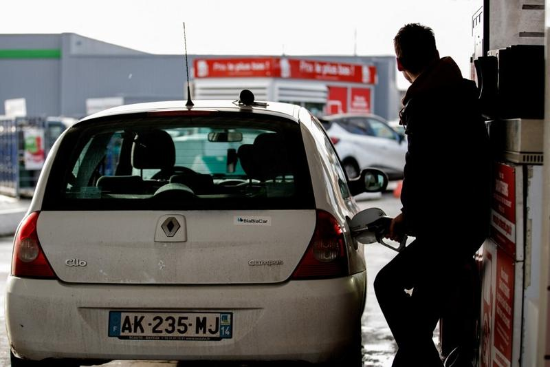 EU's bold climate plan targets cars, planes and trade