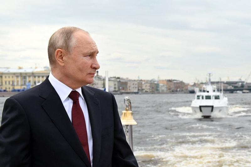 Putin: Russian navy can carry out 'unpreventable strike'