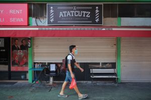 A total of eight people are now linked to the Covid-19 cluster at Atatcutz barber shop in Bedok.