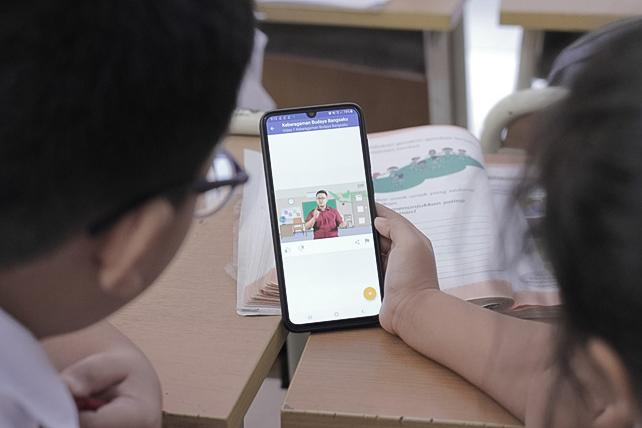 Education technology Ruangguru provides affordable digital education content to students in Indonesia