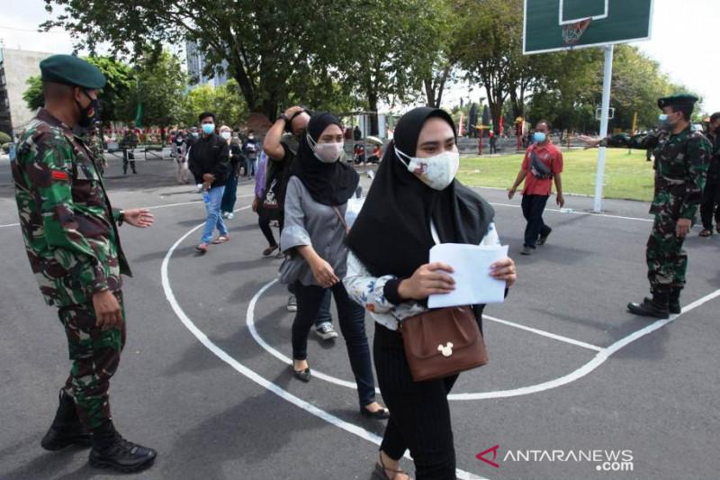 Kemarin, penambahan kematian COVID-19 dan vaksinasi massal di Surabaya