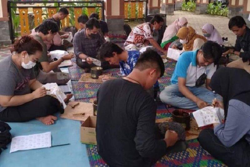 Paket wisata edukasi membatik ditawarkan di Danau Sipin-Jambi