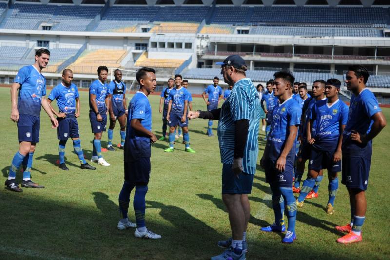 Pelatih Persib sebut latihan jadi tanggung jawab pemain di masa PPKM
