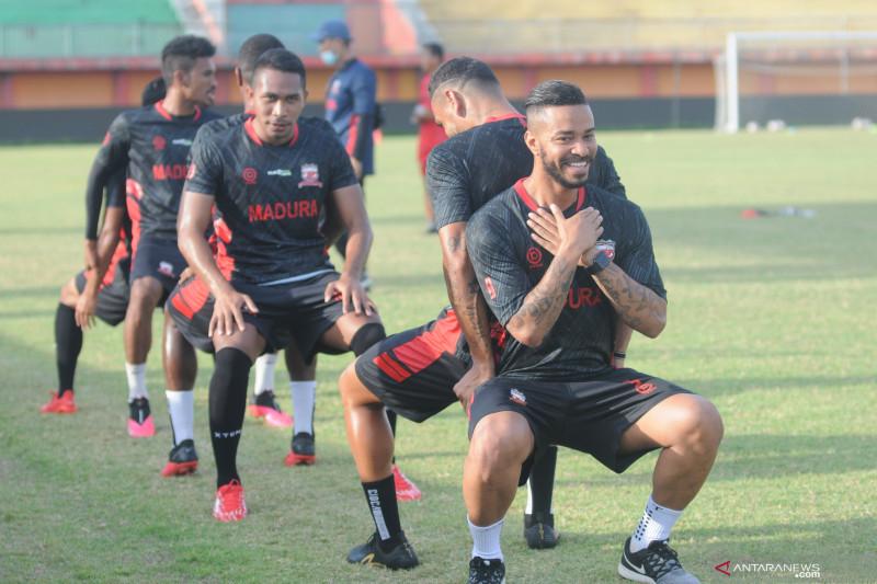 Pemain Madura United diimbau taat prokes selama latihan mandiri