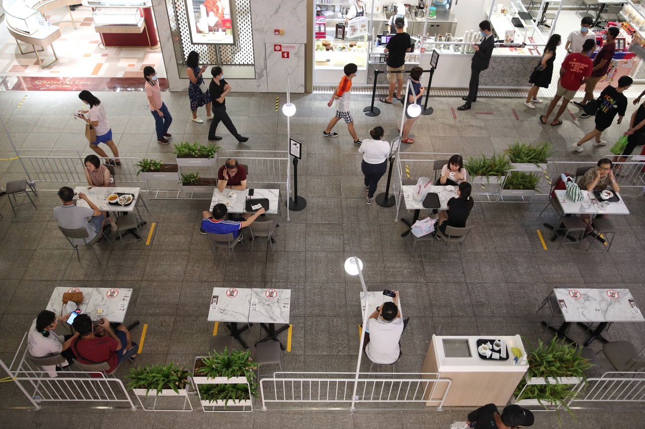 Singaporeans still out and about but more cautious as daily Covid-19 cases rise