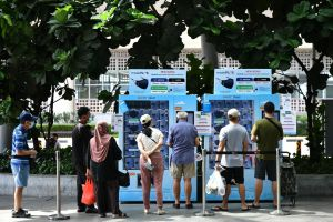The Temasek Foundation previously distributed free reusable masks through vending machines.