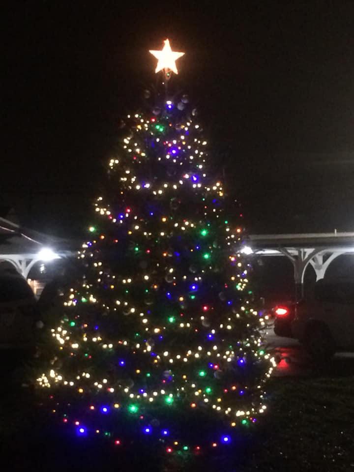 """ADVERTISEMENT. """" - Lighting Of Glenside Christmas Tree In Cheltenham Township"""