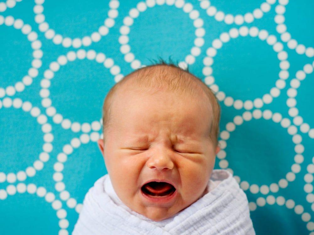 të qarat e foshnjeve