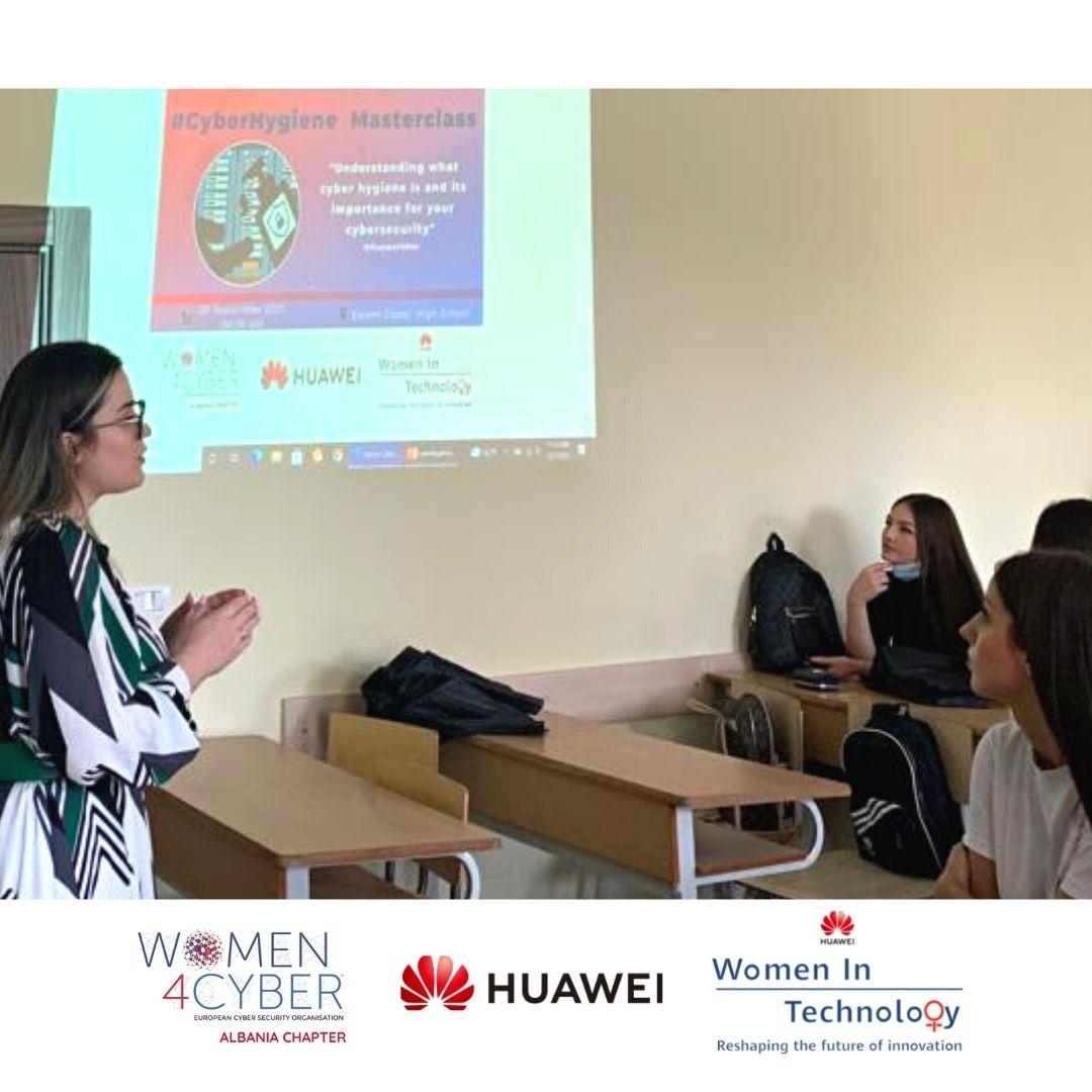 Huawei dhe Woman4Cyber Albania