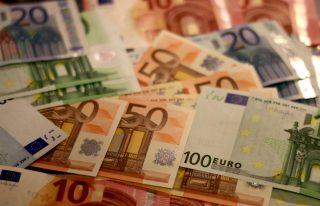 Německo schválilo masivní balíček pomoci firmám