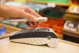 Podnikatelé mají šanci získat na rok platební terminál zdarma